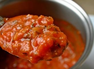 Cómo sacar manchas: salsa de tomate fresca