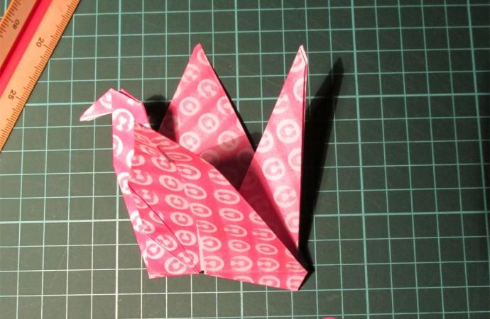 Tutorial: Cómo hacer una grulla de origami | Mujer.com.uy