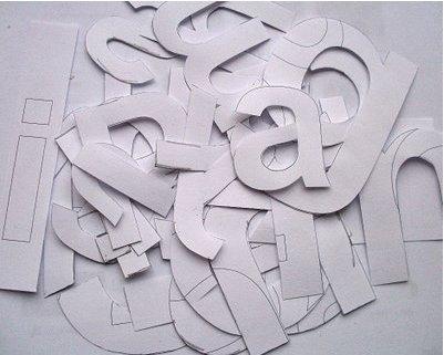 Usando estos moldes de letras , recordar en los papeles de colores e ...