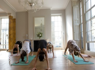 Los beneficios de practicar yoga durante el embarazo